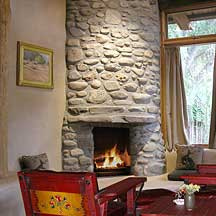 El Portal Sedona - The Hile Room Fireplace.