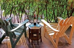 gallery-room-11-patio-wine