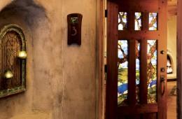 gallery-room-3-door