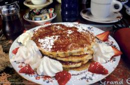 El-Portal-Breakfast-pancakes