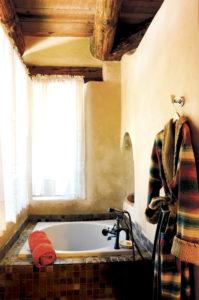 El Portal Sedona Hotel - The Grand Canyon Bathtub & Robe