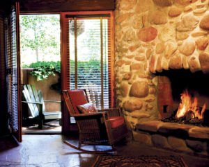 El Portal's Grand Canyon Suite's Fireplace and Pet Friendly private Patio